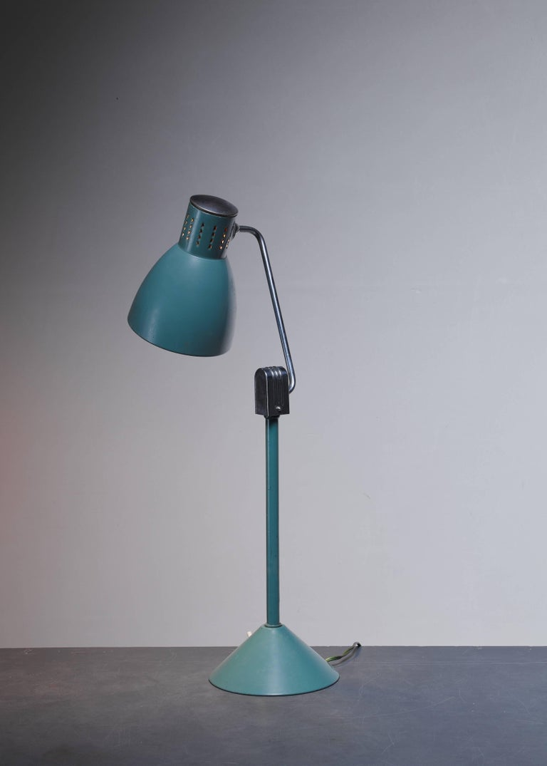Green Jumo Table Lamp, France, 1940s In Excellent Condition For Sale In Maastricht, NL