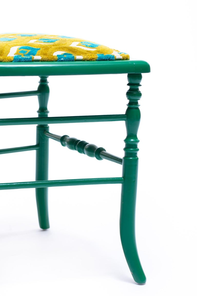 Green Lacquered Chiavari Side Chair with Peacock Feathers in Cut Velvet For Sale 1
