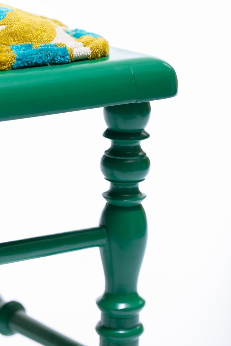 Green Lacquered Chiavari Side Chair with Peacock Feathers in Cut Velvet For Sale 5