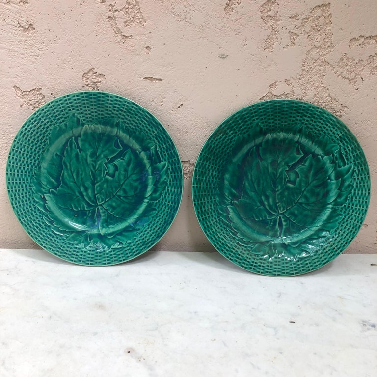 Country Green Majolica Leaves Plate, circa 1890 For Sale