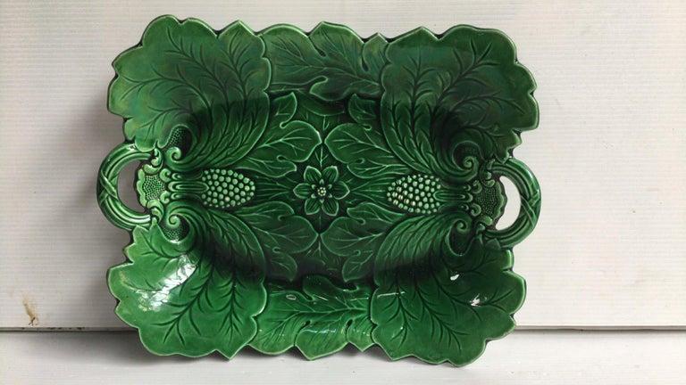 Green Majolica Leaves Plate, circa 1890 For Sale 1