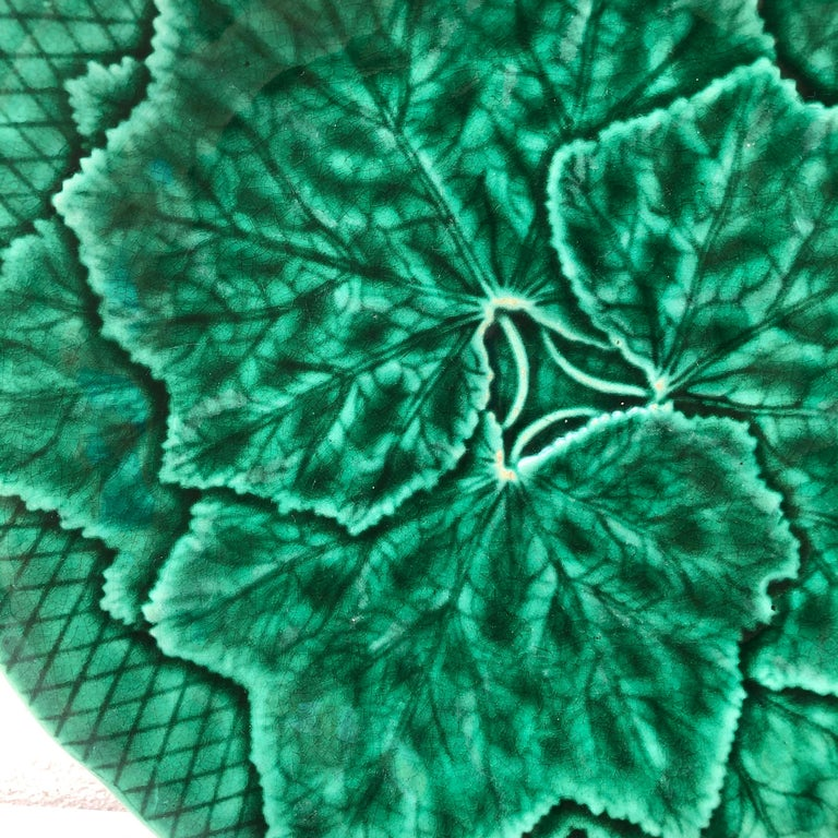 Country Green Majolica Leaves Plate Gien, circa 1890 For Sale