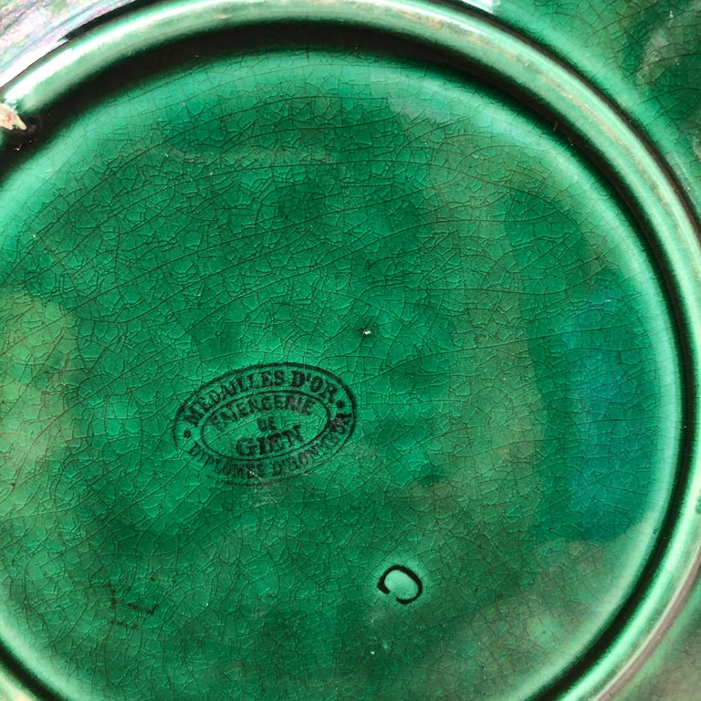Green Majolica Leaves Plate Gien, circa 1890 In Good Condition For Sale In The Hills, TX