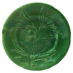 Green Majolica Olive Plate Choisy-le-Roi, circa 1890