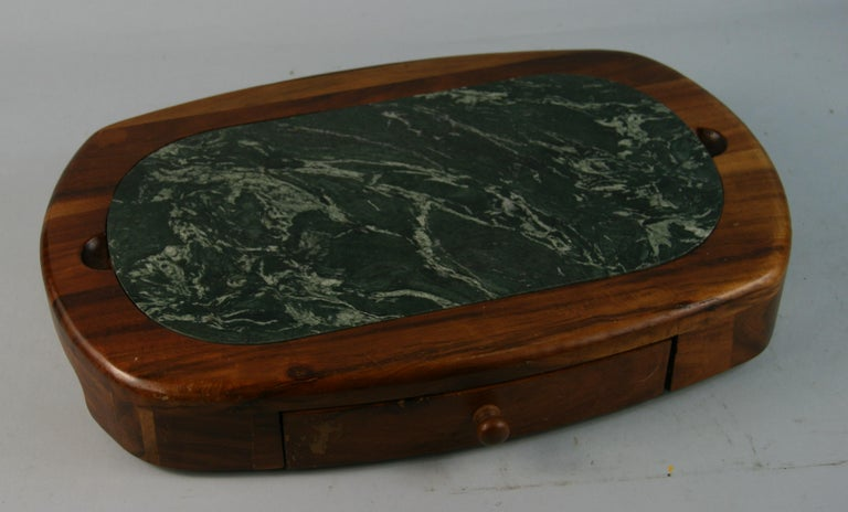 Green Marble and Wood Cheese Board with 5 Stainless Steel Knives For Sale 2