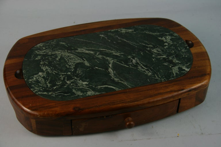 Green Marble and Wood Cheese Board with 5 Stainless Steel Knives For Sale 3