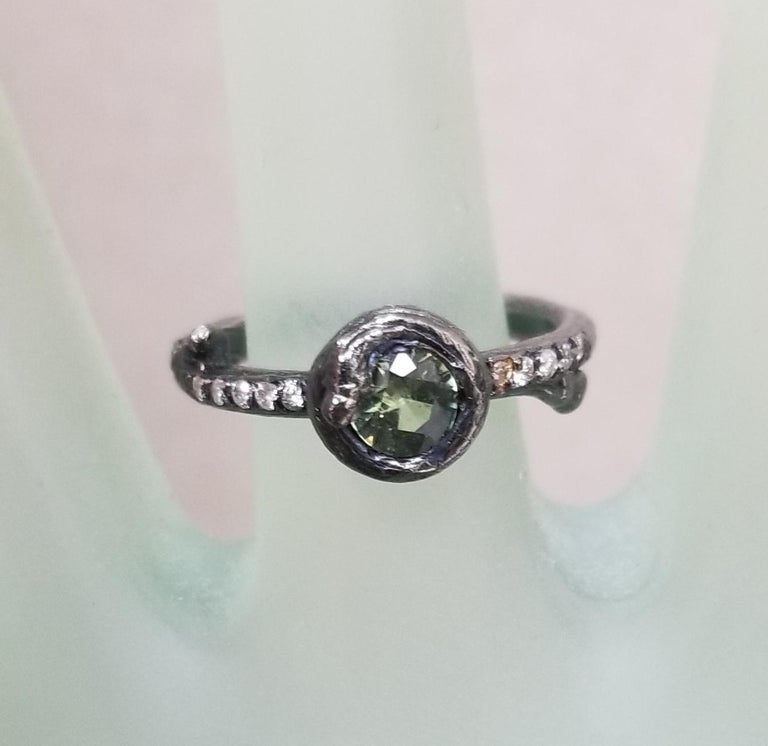 Round Cut Green Sapphire and Diamond Bark Ring For Sale