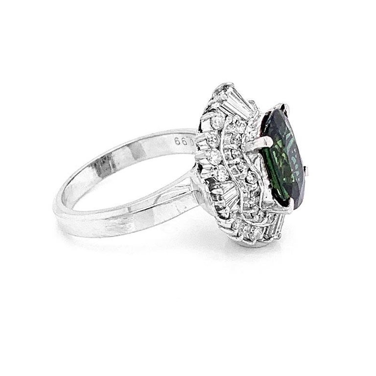 Green Sapphire Diamond Platinum Ring In New Condition For Sale In Beverly Hills, CA