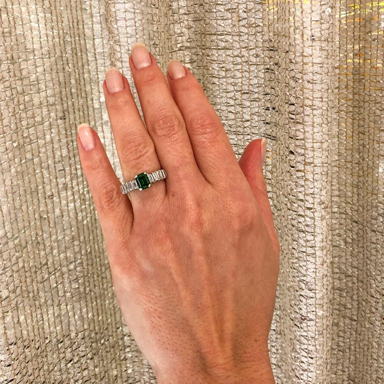 Green Tourmaline 1.06 Carat Diamond Platinum Ring For Sale 2