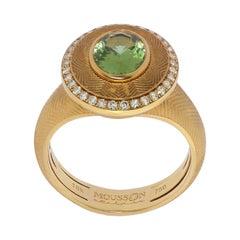 Green Tourmaline 1.70 Carat Champagne Diamonds 18 Karat Yellow Gold Tweed Ring