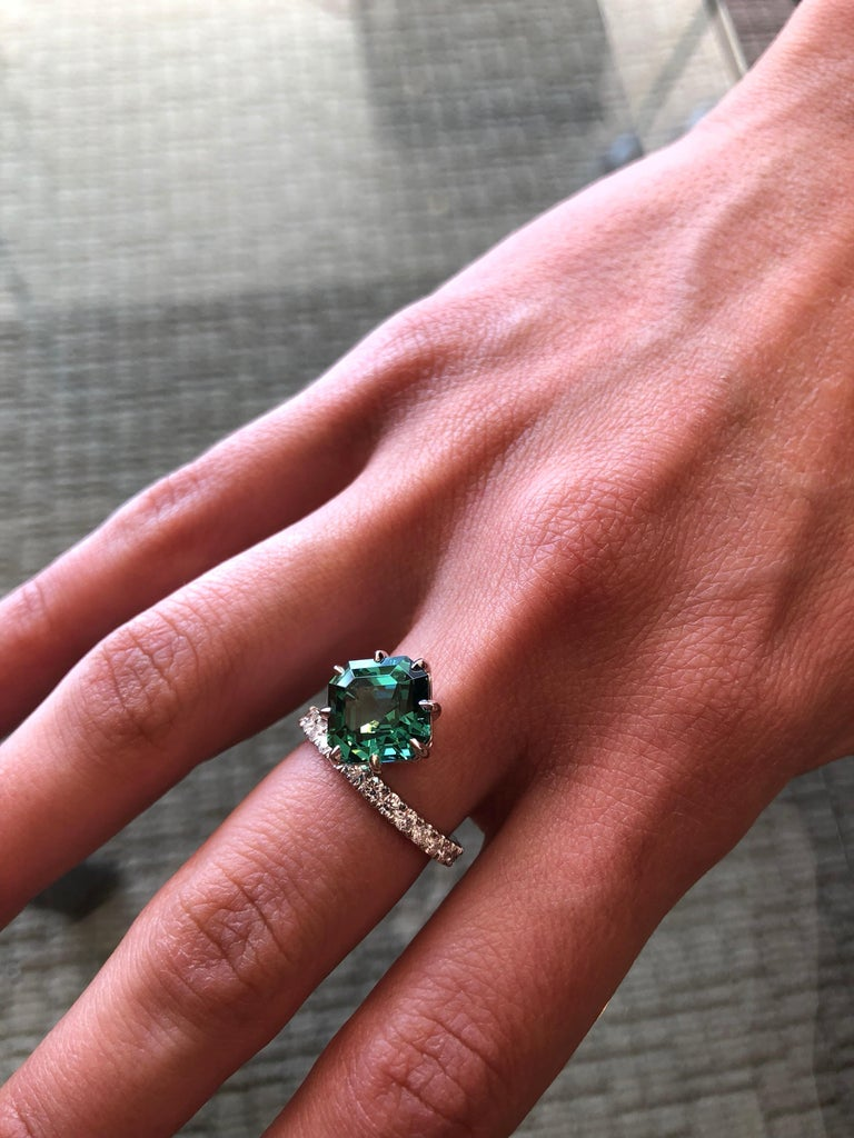 Green Tourmaline Cocktail Ring Asscher Cut Diamond Platinum Ring In New Condition For Sale In Beverly Hills, CA