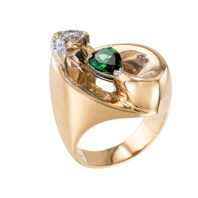 Modern Green Tourmaline Diamond Yellow Gold Cocktail Ring For Sale