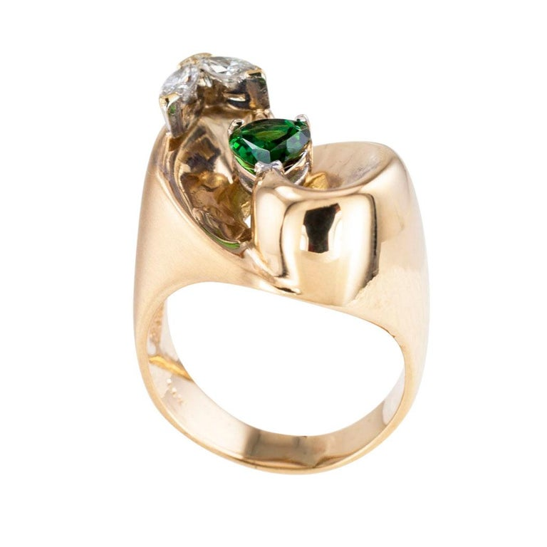 Green Tourmaline Diamond Yellow Gold Cocktail Ring In Good Condition For Sale In Los Angeles, CA