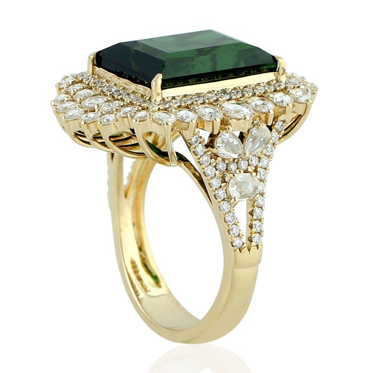 Baguette Cut Green Tourmaline Ring with Rosecut Diamond in 18 Karat Yellow Gold For Sale
