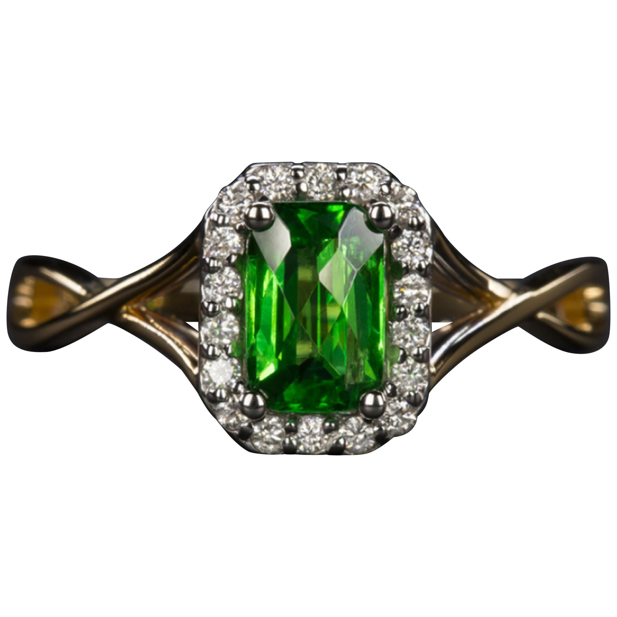 Green Tsavorite Diamond Yellow Gold Solitaire Ring