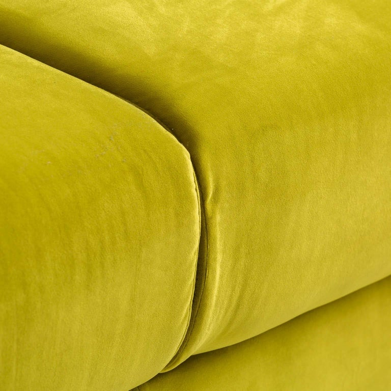 Contemporary Green Velvet and Black Wooden Feet Chesterfield Sofa For Sale