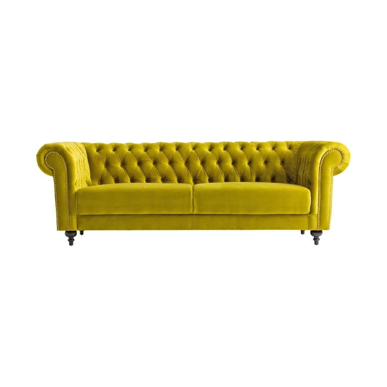 Green Velvet and Black Wooden Feet Chesterfield Sofa For Sale 2