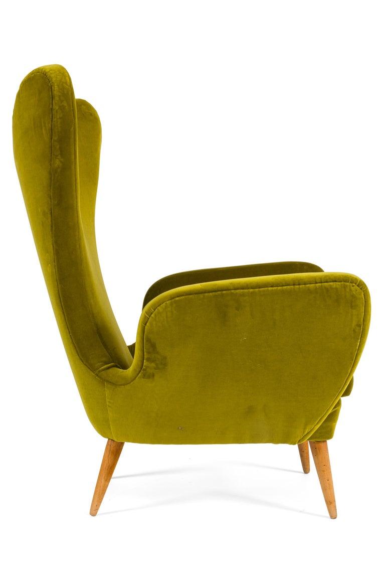 Mid-Century Modern Green Velvet Mid-Century Lounge Chair, Italy, 1950s For Sale