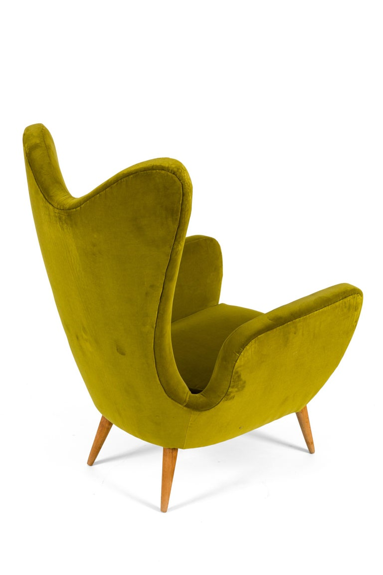 Italian Green Velvet Mid-Century Lounge Chair, Italy, 1950s For Sale