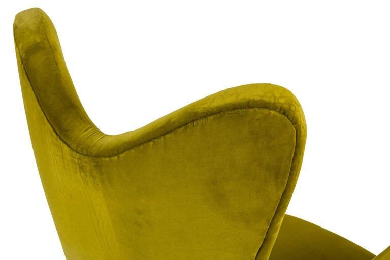 Mid-20th Century Green Velvet Mid-Century Lounge Chair, Italy, 1950s For Sale