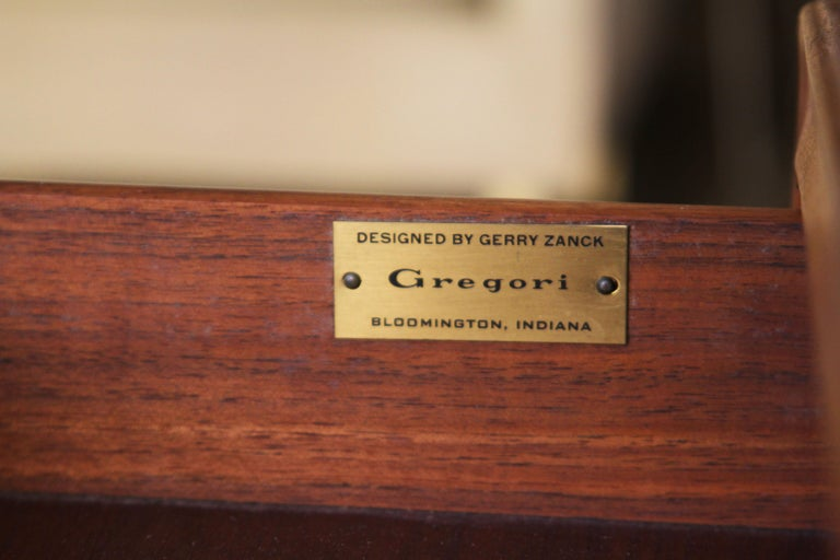 Gregori Marble-Top Side Table In Good Condition For Sale In St. Louis, MO