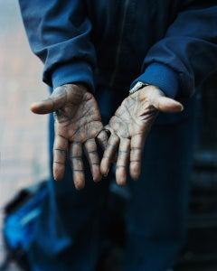 Hands, Omaha, NE, 2005-2018 - Gregory Halpern