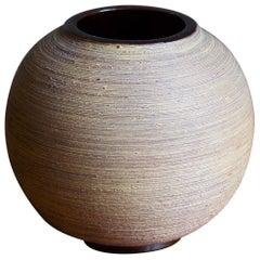 Greta Runeborg, Vase, Semi-Glazed and Incised Earthenware, Upsala Ekeby, 1940s