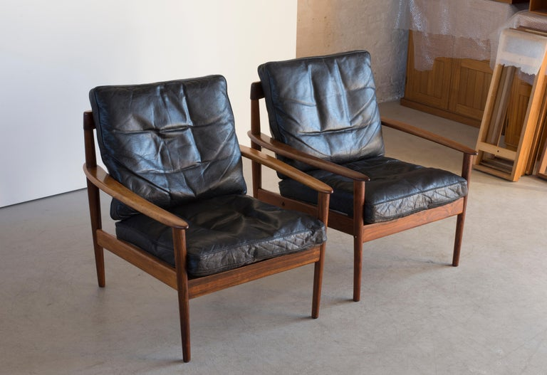 Grete Jalk Easy Chairs of Rosewood In Good Condition For Sale In Copenhagen, DK