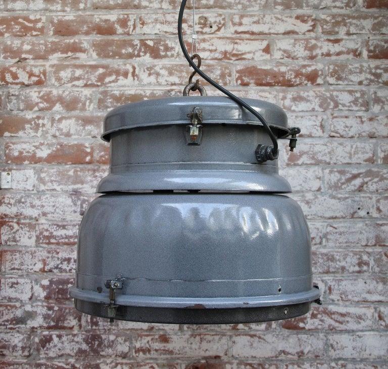 Grey Enamel Vintage Industrial Clear Glass Pendant Lamp For Sale 1