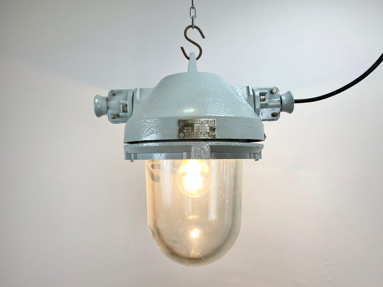 Grey Industrial Explosion Proof Lamp, 1970s For Sale 1