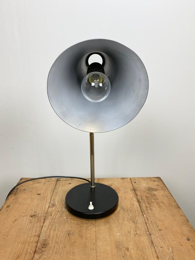 Grey Industrial Gooseneck Table Lamp, 1960s In Good Condition For Sale In Mratin, CZ