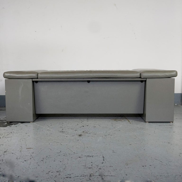 Mid-Century Modern Grey Leather Two-Seat Sofa Brigadier by Cini Boeri for Knoll For Sale