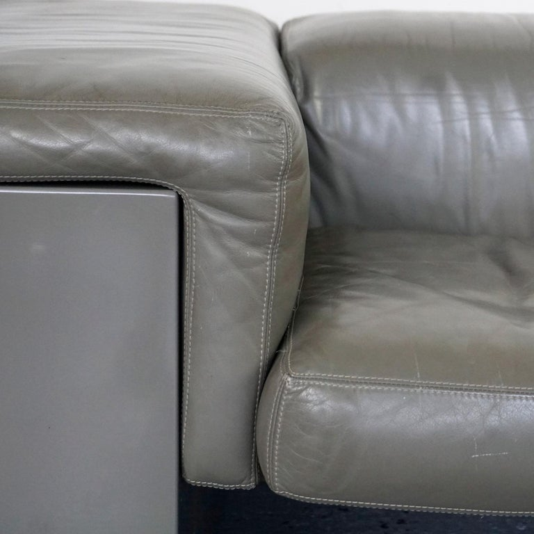 Grey Leather Two-Seat Sofa Brigadier by Cini Boeri for Knoll For Sale 1