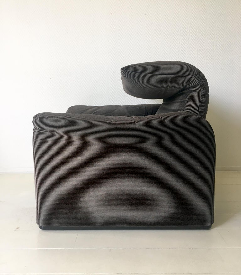 Late 20th Century Grey Maralunga Armchair by Vico Magistretti for Cassina, 1970s For Sale