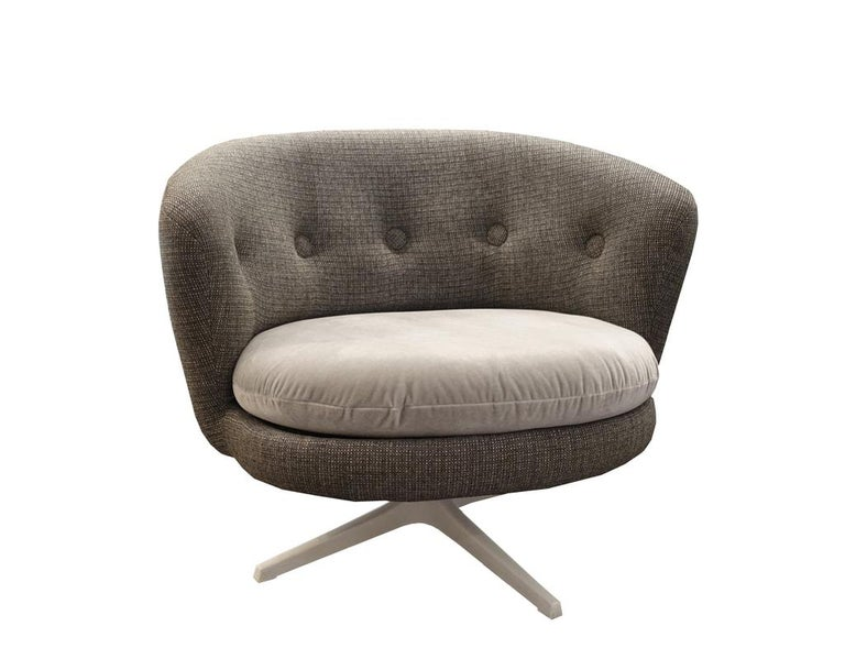 Grey Mid-Century Scandinavian Swivel Chairs In Good Condition For Sale In New York, NY