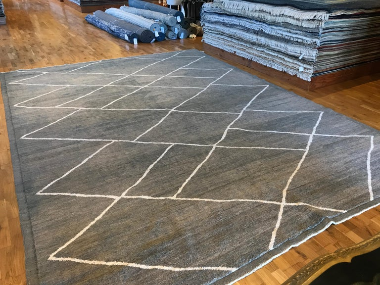 Pakistani Grey Moroccan Diamonds Design Rug For Sale