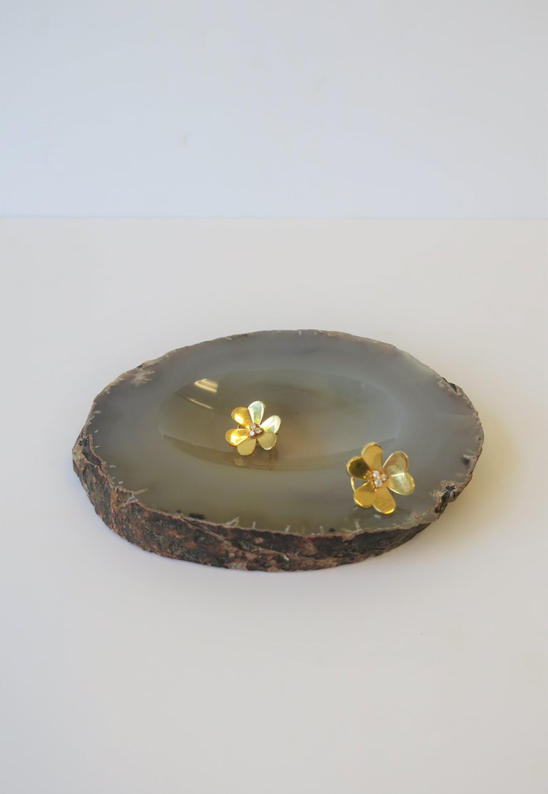 Polished Grey Agate Vessel Bowl or Decorative Object For Sale