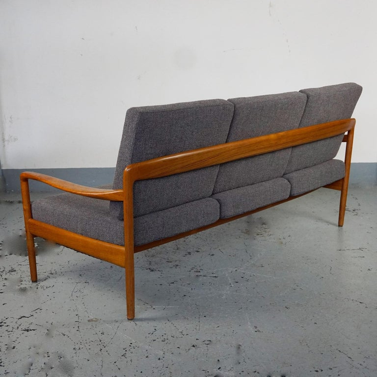 Mid-20th Century Grey Scandinavian Modern Teak Three-Seat Sofa by Knoll Antimott For Sale