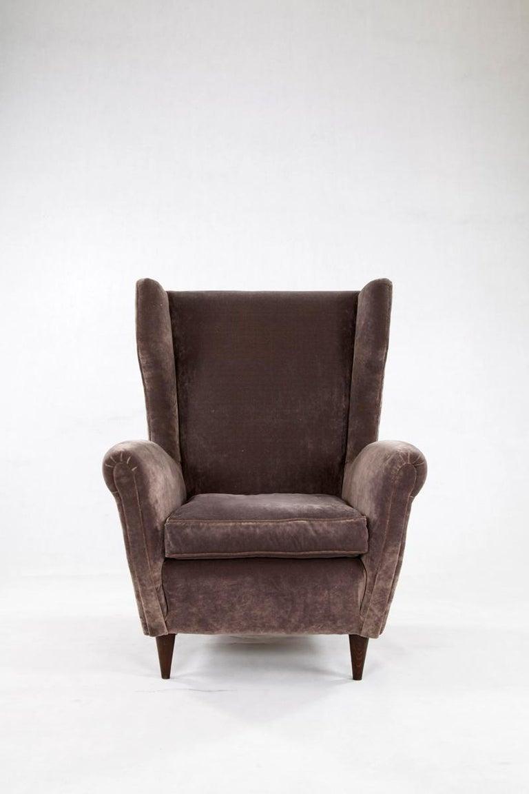 Italian armchair in the style of Gio Ponti. Italy 1950s. Upholstery in grey velvet.
