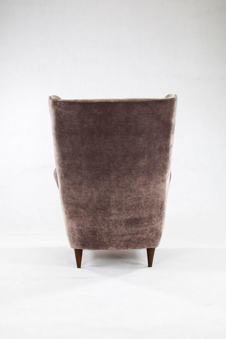 Mid-20th Century Grey Velvet Italian Armchair in the Style of Gio Ponti For Sale