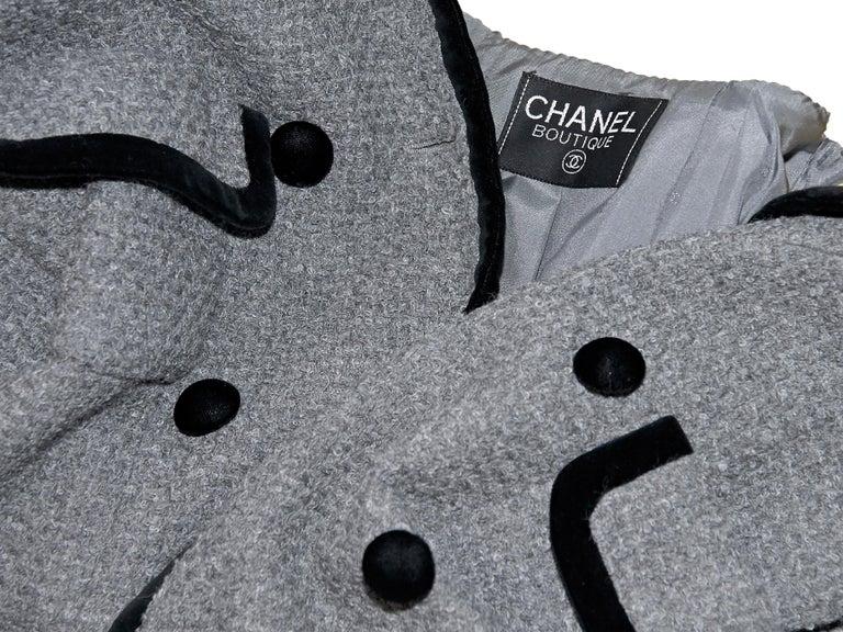 Women's Grey Vintage Chanel Tweed Jacket For Sale