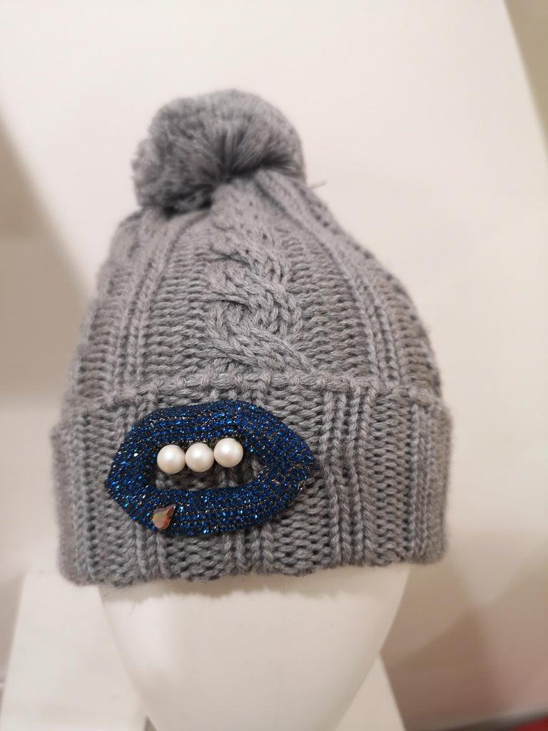 Grey wool mouth teeth swarovski brooch hat For Sale 6