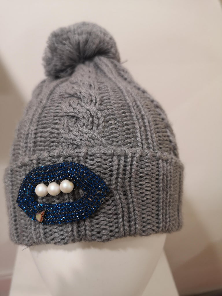 Grey wool mouth teeth swarovski brooch hat For Sale 8