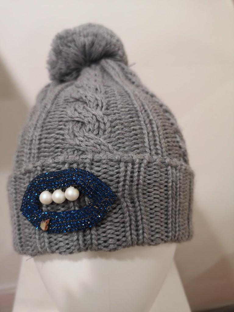Grey wool mouth teeth swarovski brooch hat For Sale 9