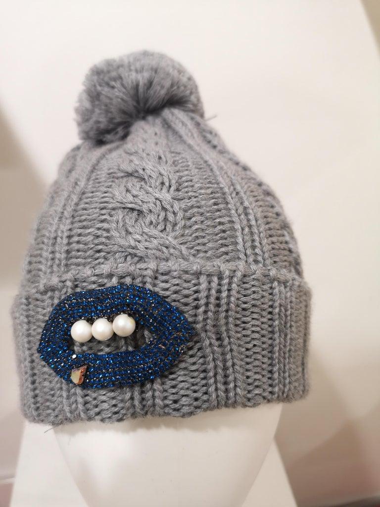 Grey wool mouth teeth swarovski brooch hat For Sale 11