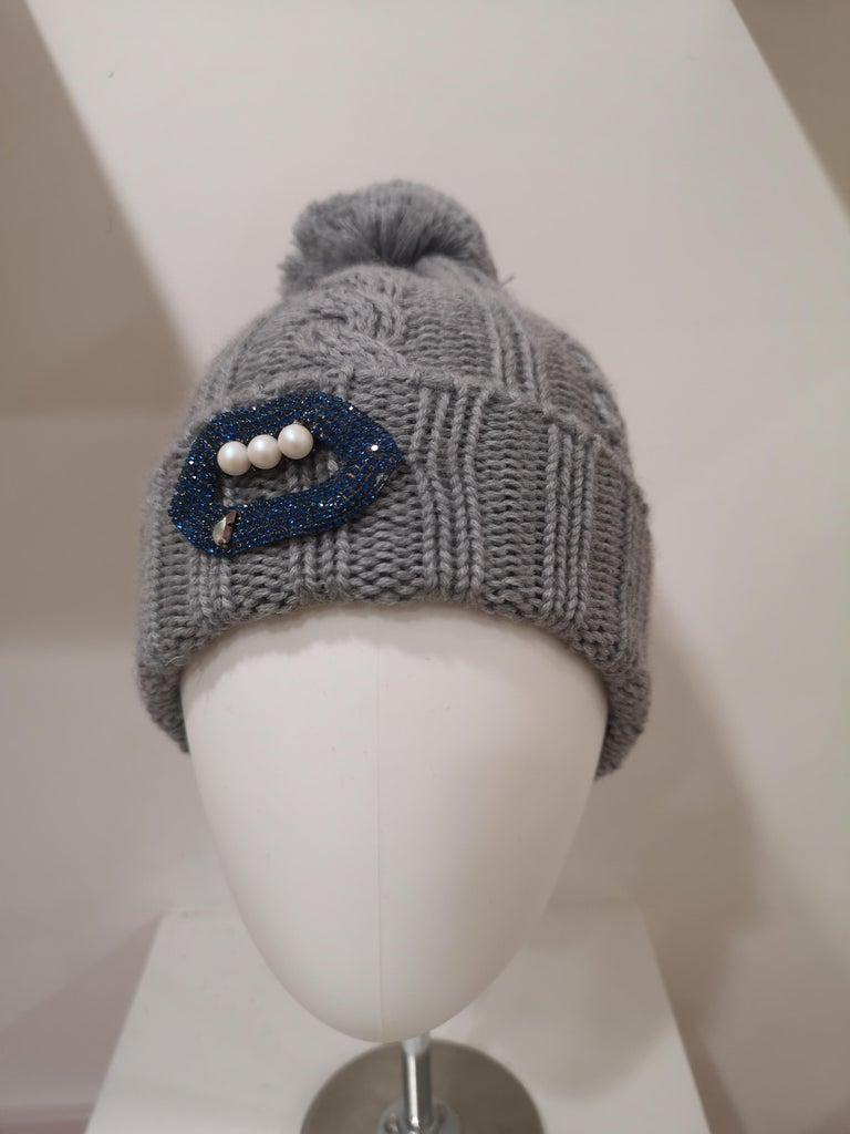 Grey wool mouth teeth swarovski brooch hat totally handmade