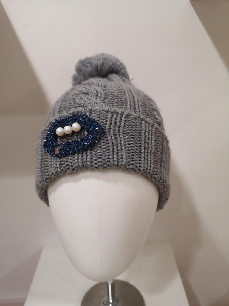 Grey wool mouth teeth swarovski brooch hat For Sale 3