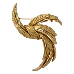Grosse Classic Gold Plated Textured and Shiny Brooch 1960s