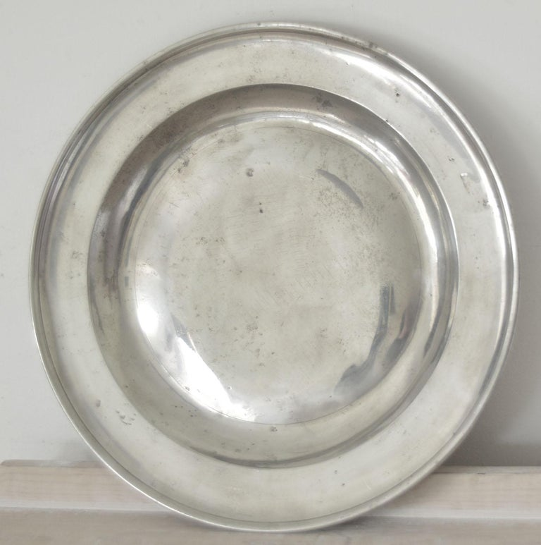 English Group of 6 Large Antique Polished Pewter Chargers, 18th C.  16.5 inches wide For Sale