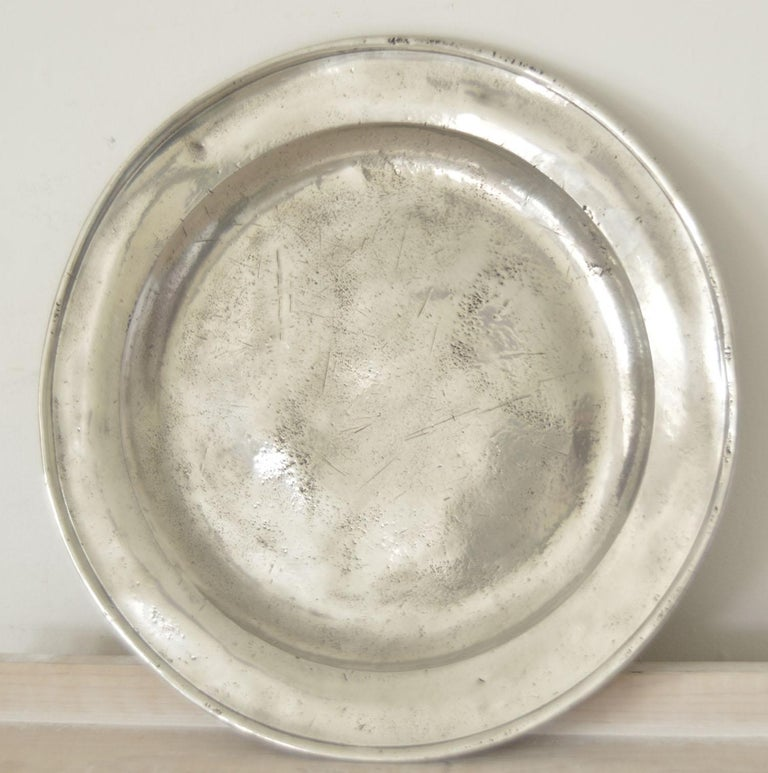 18th Century Group of 6 Large Antique Polished Pewter Chargers, 18th C.  16.5 inches wide For Sale